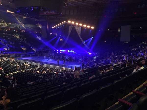 Niveles: El General Sings At Madison Square Garden